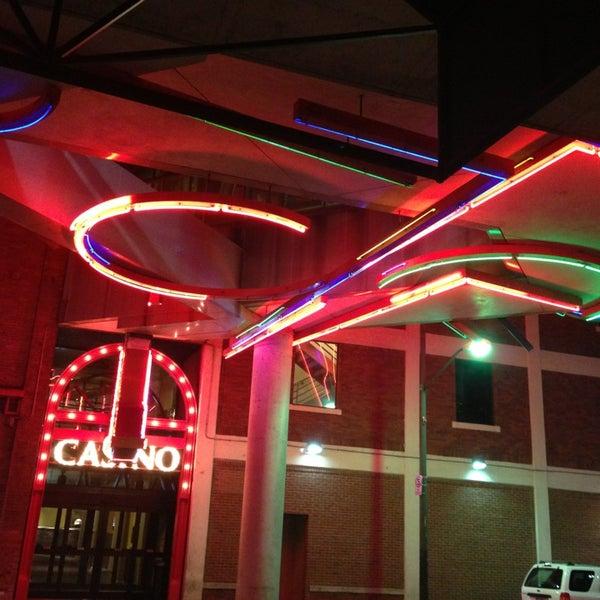 Foto scattata a Greektown Casino-Hotel da DeAndre M. il 1/19/2013