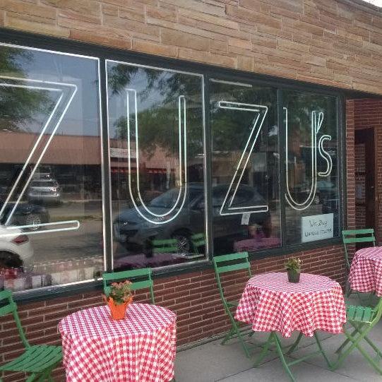 Foto scattata a Madame Zuzu's Tea House da James O. il 7/19/2014