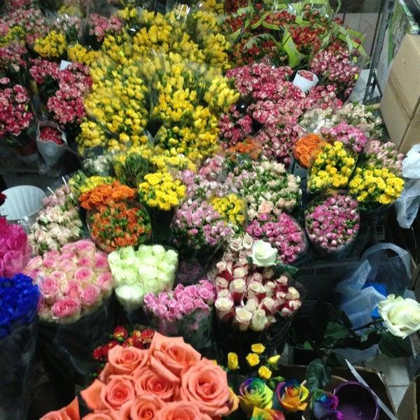 Цветы оптом во львове купить сток, свадебный букет каталог