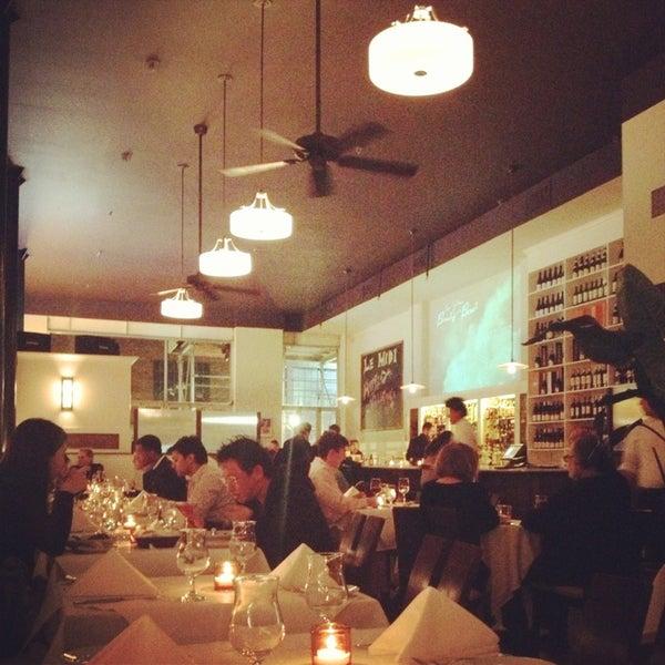 Снимок сделан в Le Midi Bar & Restaurant пользователем Jeanie J. 2/15/2013