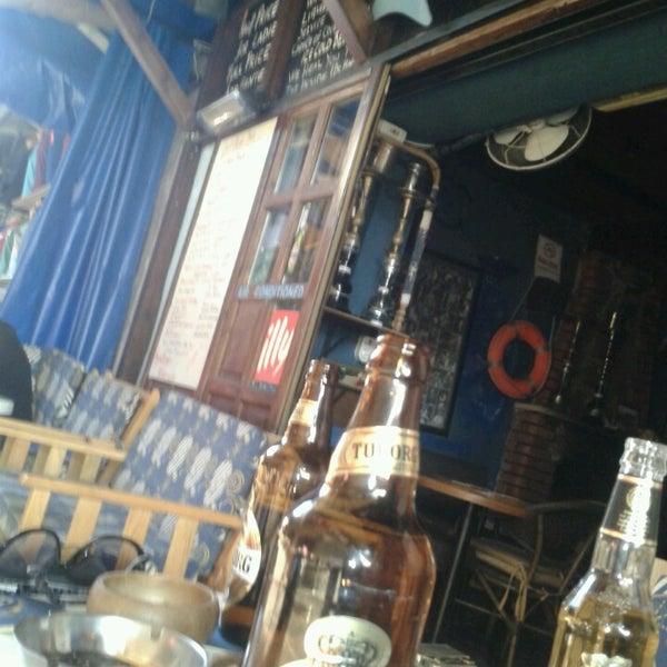 Foto tirada no(a) Deep Blue Bar por Glen em 4/28/2013