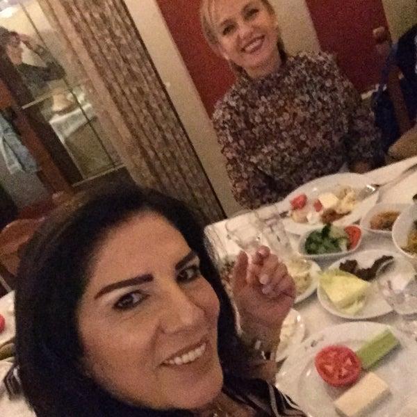Das Foto wurde bei Endülüs Meyhanesi von Nimet Ö. am 11/30/2019 aufgenommen