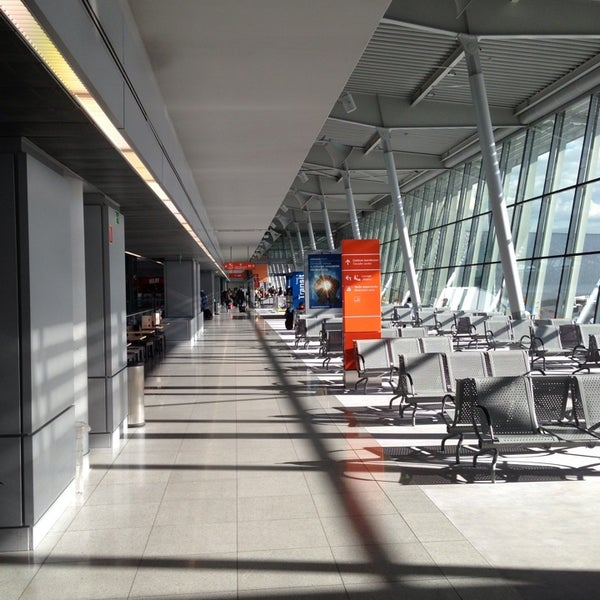 8/27/2013에 Артем К.님이 바르샤바 쇼팽 공항 (WAW)에서 찍은 사진