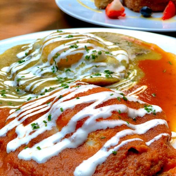 Es una lonchería con acento mexicano que sorprende en variedad de sabores. Si vas a la Condesa, no desaproveches la oportunidad de almorzar aquí 👌🏻