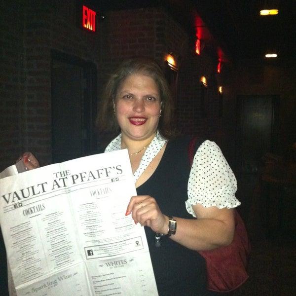 Photo prise au The Vault at Pfaff's par Carolina le5/2/2013