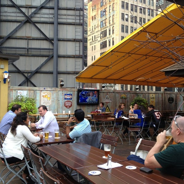 Foto diambil di Beer Authority NYC oleh Andrea M. pada 9/15/2013