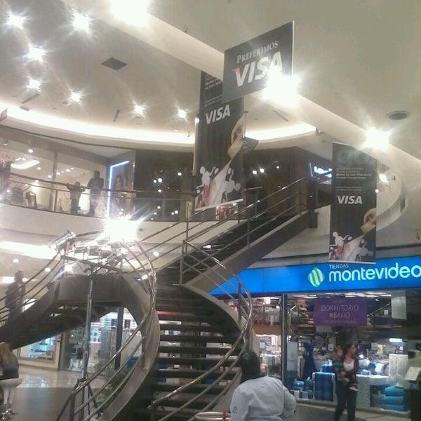 Foto scattata a Punta Carretas Shopping da Richard R. il 4/12/2013