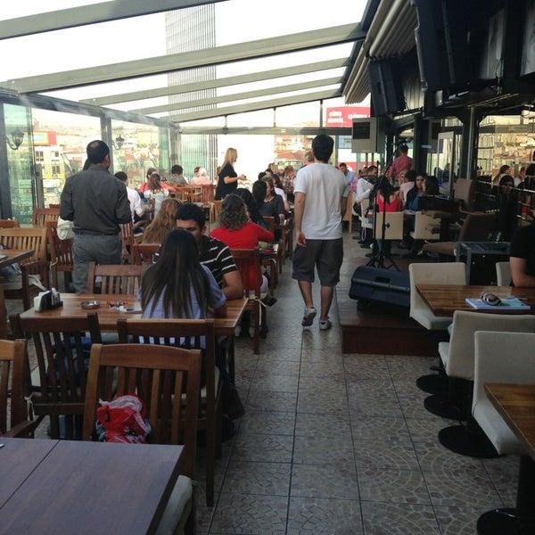 5/30/2013 tarihinde Gökhan A.ziyaretçi tarafından Flz Cafe & Restaurant'de çekilen fotoğraf