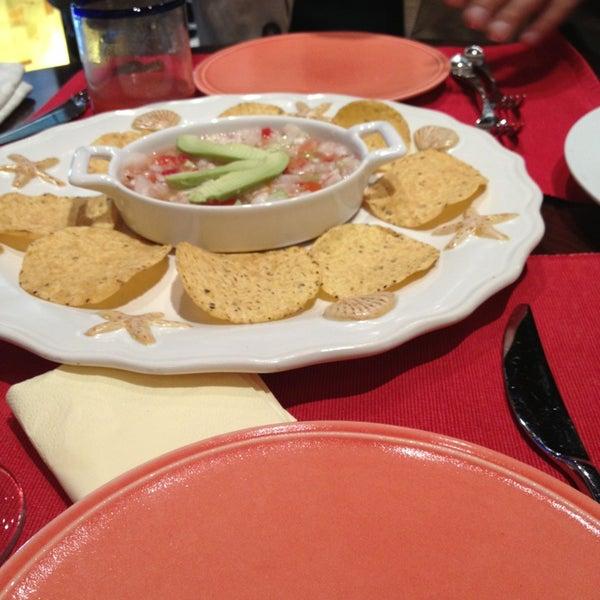 5/21/2013에 Anastasia A.님이 Mexican Club에서 찍은 사진