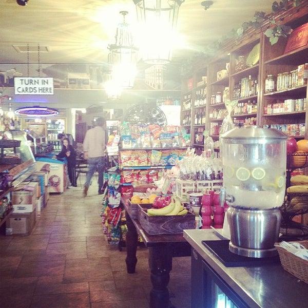 3/10/2013 tarihinde Melody L.ziyaretçi tarafından Jackson Market'de çekilen fotoğraf