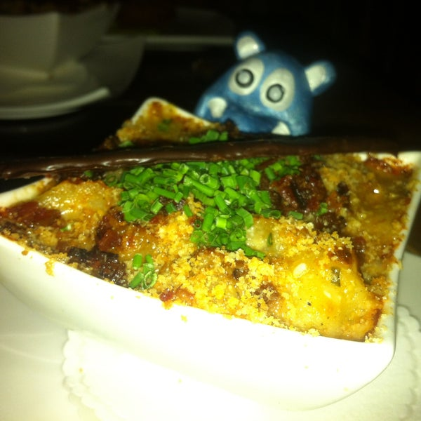 oh my the creemy overload Mac n Cheese Tart
