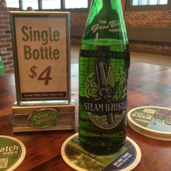 1/28/2013 tarihinde Lawrence A.ziyaretçi tarafından Steam Whistle Brewing'de çekilen fotoğraf