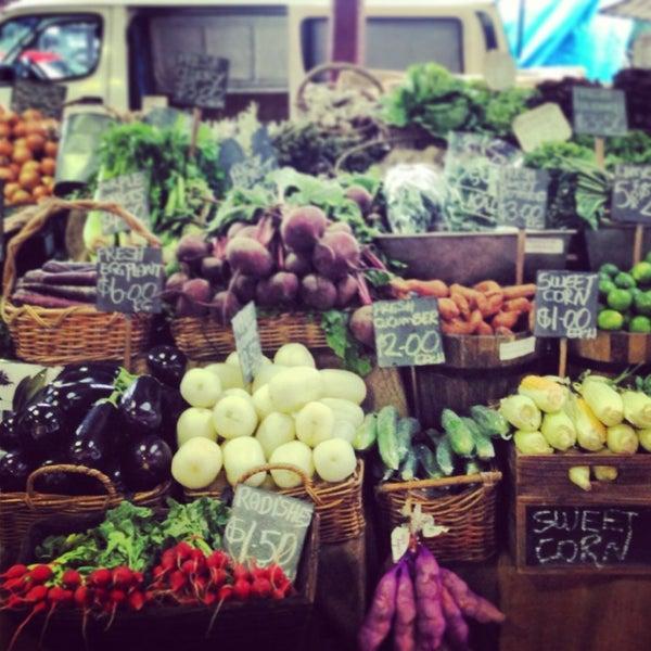 Foto diambil di Queen Victoria Market oleh Guma H. pada 3/21/2013