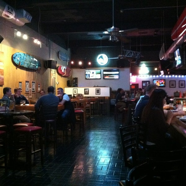 Photo prise au The Local Eatery and Drinking Hole par Meliss & Woody J. le1/19/2013