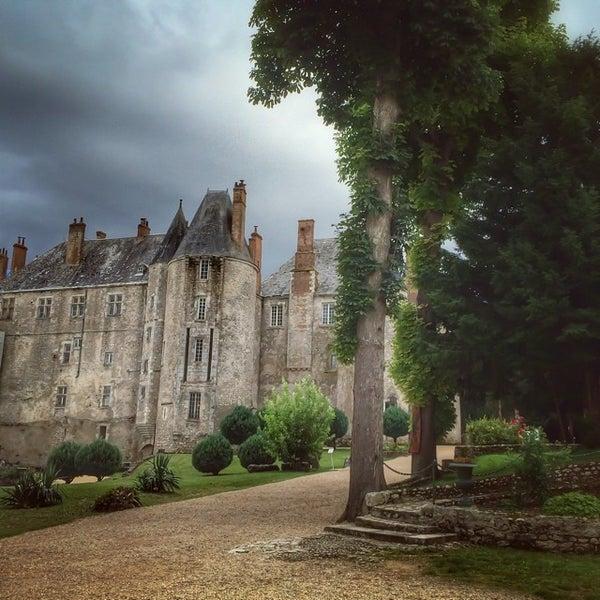 Foto diambil di Château de Meung-sur-Loire oleh Bois H. pada 7/21/2014