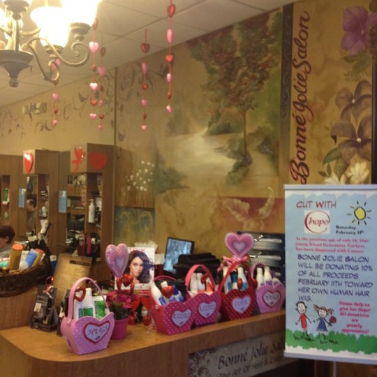 Photos at Bonné Jolie Salon - Salon / Barbershop in Staten Island