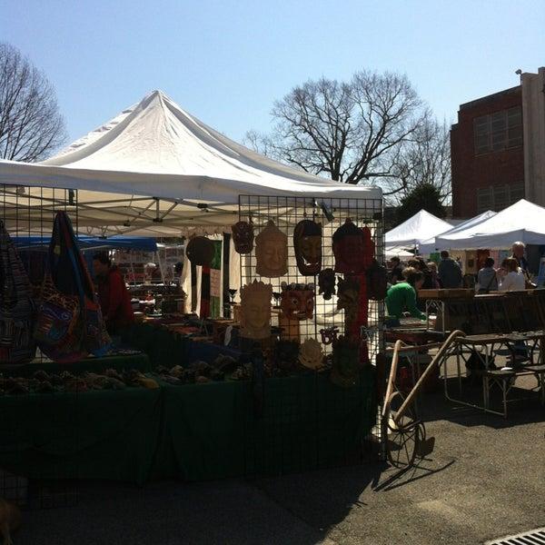 Photo prise au The Flea Market at Eastern Market par Tiffany le4/7/2013