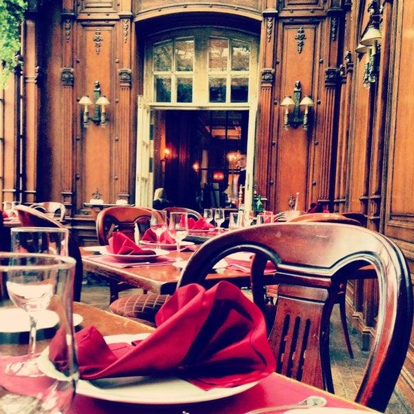 4/25/2013 tarihinde Andrey M.ziyaretçi tarafından Cafe Pushkin'de çekilen fotoğraf