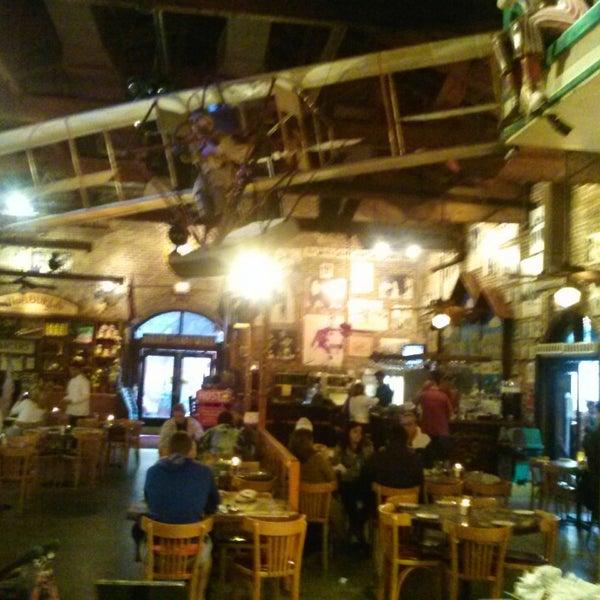 Foto diambil di El Meson de Pepe Restaurant & Bar oleh Carl R. pada 2/17/2013