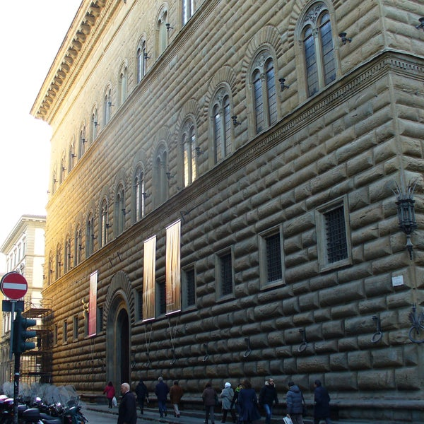 The Fondazione Palazzo Strozzi offers a full programme of internationallevel exhibitions and cultural events within the setting of this architectural masterpiece of the Florentine Renaissance.
