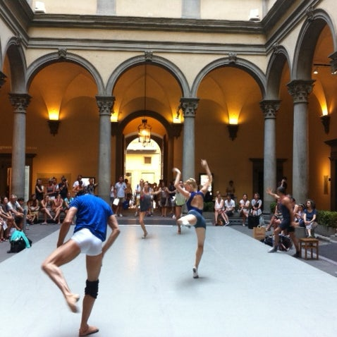 Open practice of the #LUNA live choreography in the Courtyard of Palazzo Strozzi - every day, except Thursdays, 6 pm-7.30 pm.
