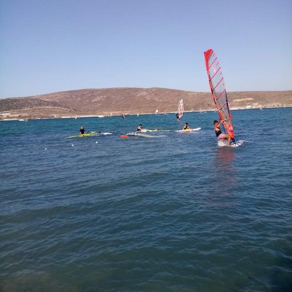 Das Foto wurde bei Alaçatı Surf Paradise Club von Sibel C am 8/15/2018 aufgenommen