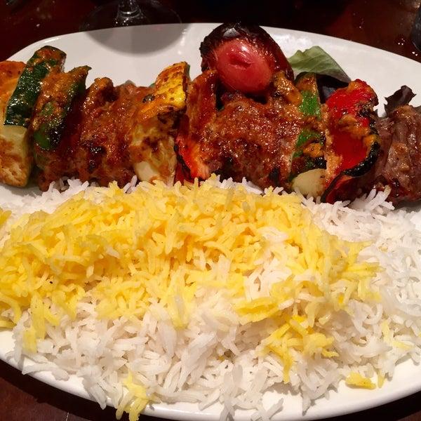 5/11/2015 tarihinde David F.ziyaretçi tarafından Sufi's Restaurant'de çekilen fotoğraf