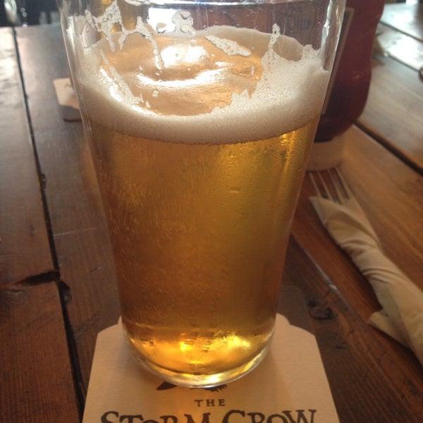 6/16/2013 tarihinde gina_gerlziyaretçi tarafından Storm Crow Tavern'de çekilen fotoğraf