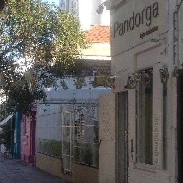 7/2/2014 tarihinde Giuliana N.ziyaretçi tarafından Loja Pandorga'de çekilen fotoğraf