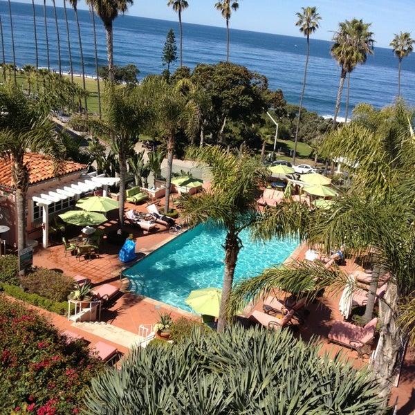 Снимок сделан в La Valencia Hotel пользователем Sam C. 2/24/2013