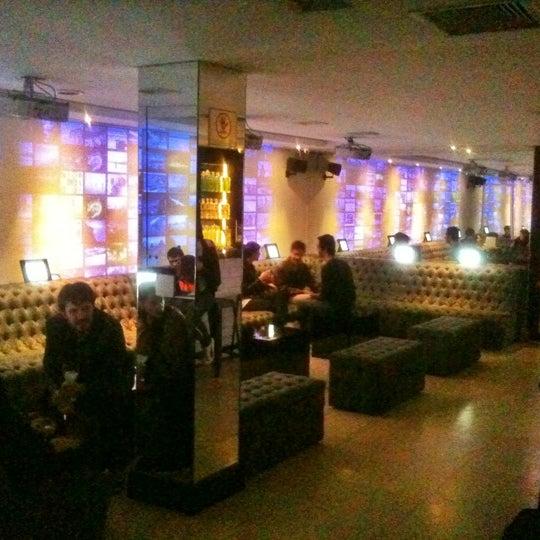 Foto diambil di Absolut Inn oleh Sabota T. pada 9/23/2012