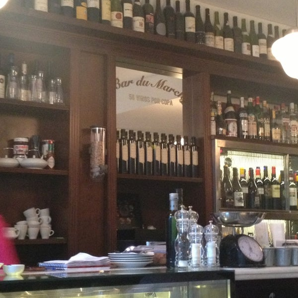 Foto diambil di Bar du Marché oleh Annie V. pada 3/7/2013