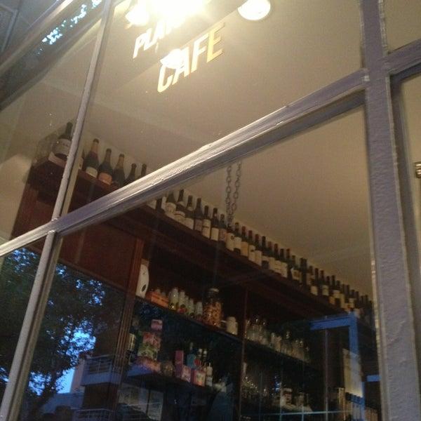 Foto diambil di Bar du Marché oleh Annie V. pada 3/8/2013