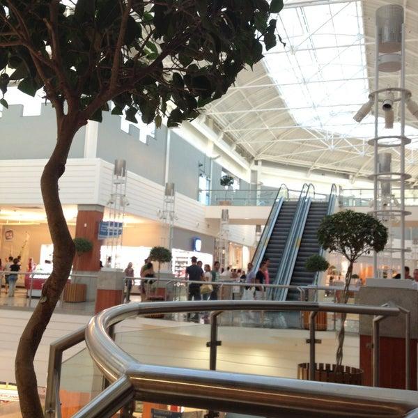 Снимок сделан в Floripa Shopping пользователем Marco D. 1/27/2013