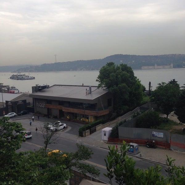 Foto scattata a Anonim Türk Bistro ve Tatlı da Yunus Emre S. il 5/27/2015