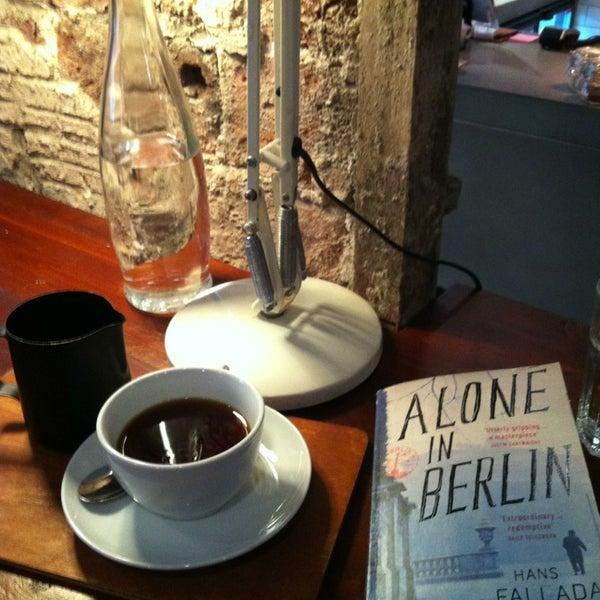 Foto diambil di Brew Lab Coffee oleh Giannis L. pada 2/4/2013