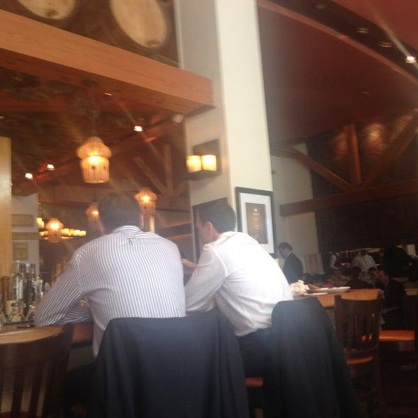 รูปภาพถ่ายที่ Kellari Taverna NY โดย Armand A. เมื่อ 4/26/2013