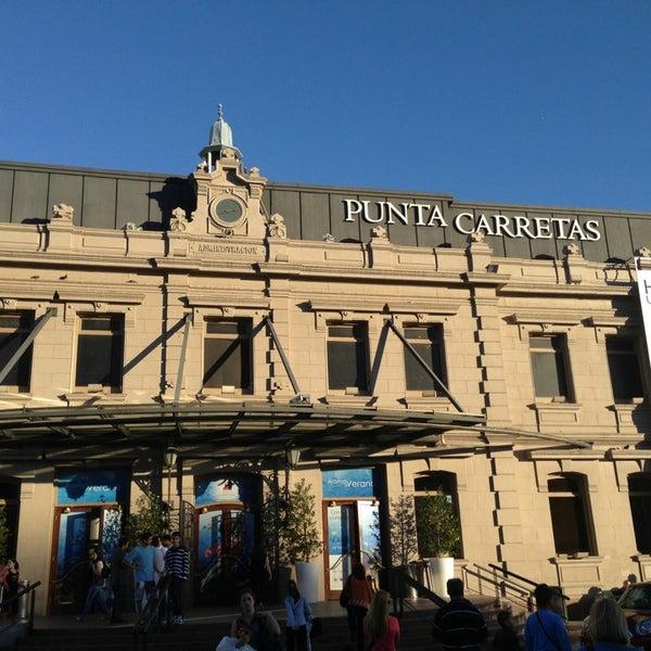 Foto tirada no(a) Punta Carretas Shopping por Robbi H. em 12/20/2012