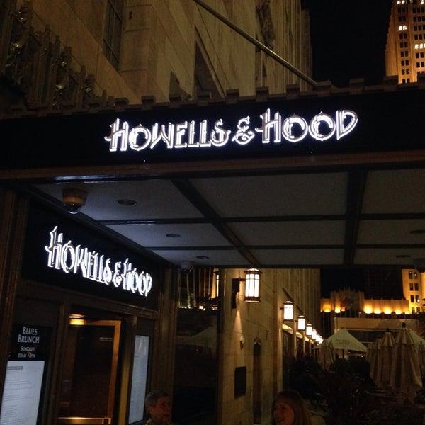 11/6/2013 tarihinde Robbi H.ziyaretçi tarafından Howells & Hood'de çekilen fotoğraf