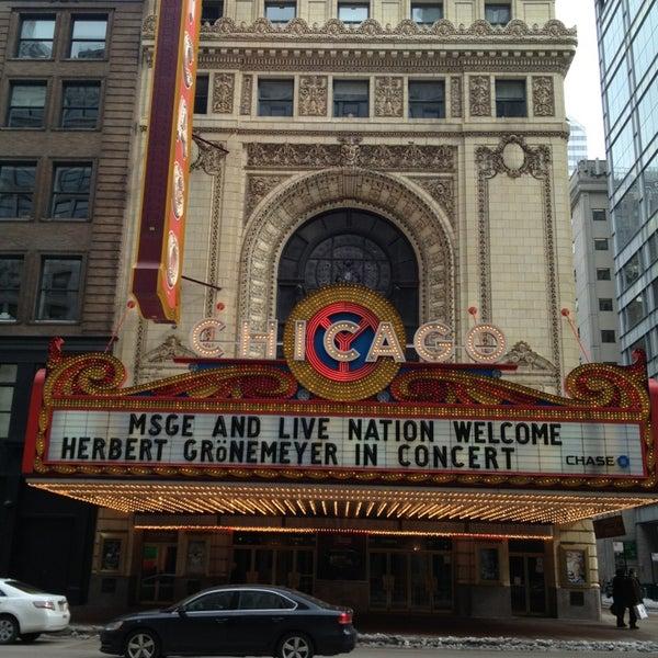 2/23/2013에 Umit A.님이 The Chicago Theatre에서 찍은 사진