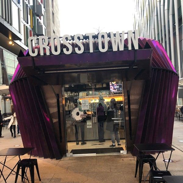 รูปภาพถ่ายที่ Crosstown Doughnuts & Coffee โดย ALK . เมื่อ 12/30/2019