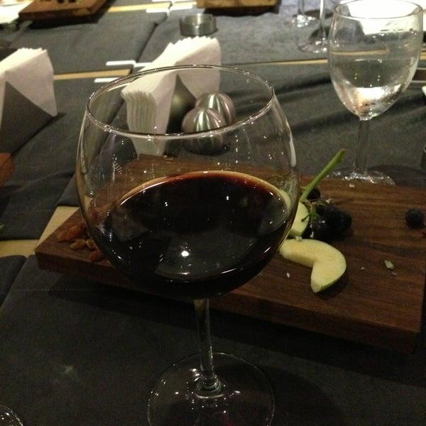 9/20/2013 tarihinde 📍®️F.A.K®️ART®️📍®️Sanatın F.A.K®️Hali®️ İ.ziyaretçi tarafından Mint Restaurant & Bar'de çekilen fotoğraf