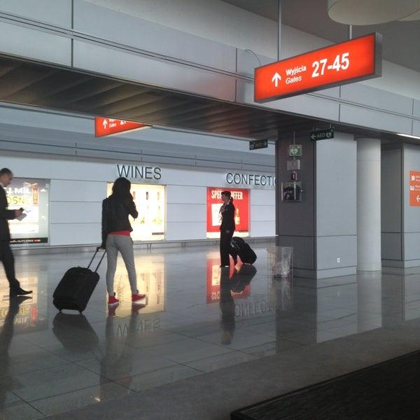 6/5/2013에 Valeriy S.님이 바르샤바 쇼팽 공항 (WAW)에서 찍은 사진