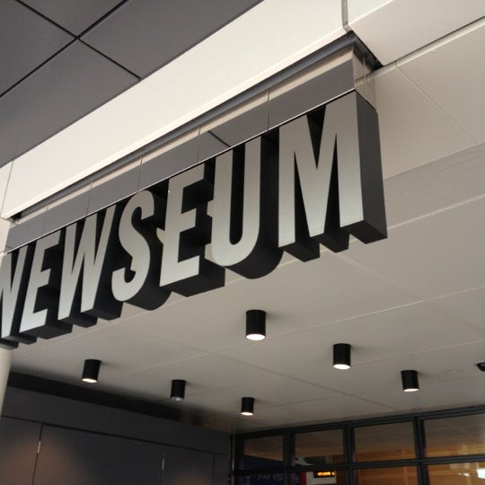 Снимок сделан в Музей журналистики и новостей пользователем David H. 12/2/2012