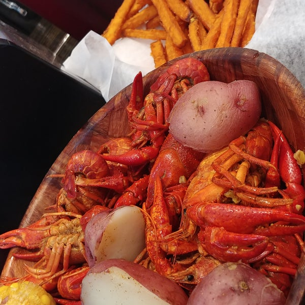Crawfish on point! Great spice and better price.