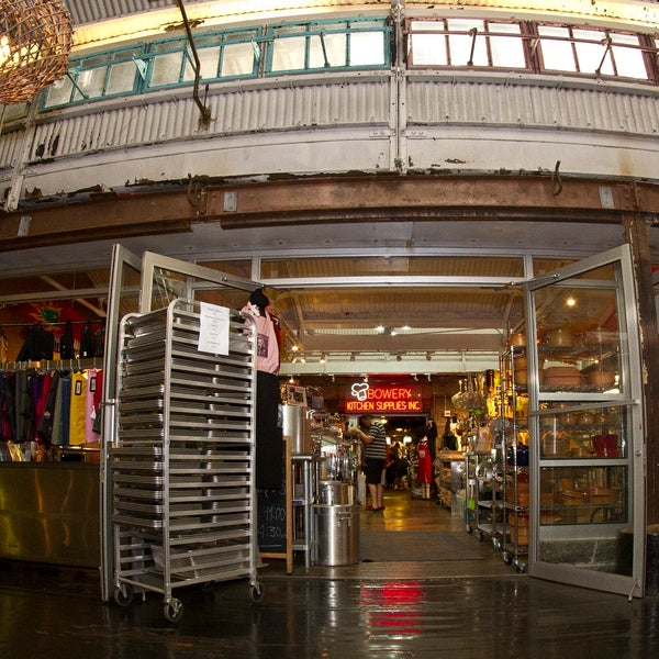 Das Foto wurde bei Bowery Kitchen Supplies von Bowery Kitchen Supplies am 8/12/2013 aufgenommen