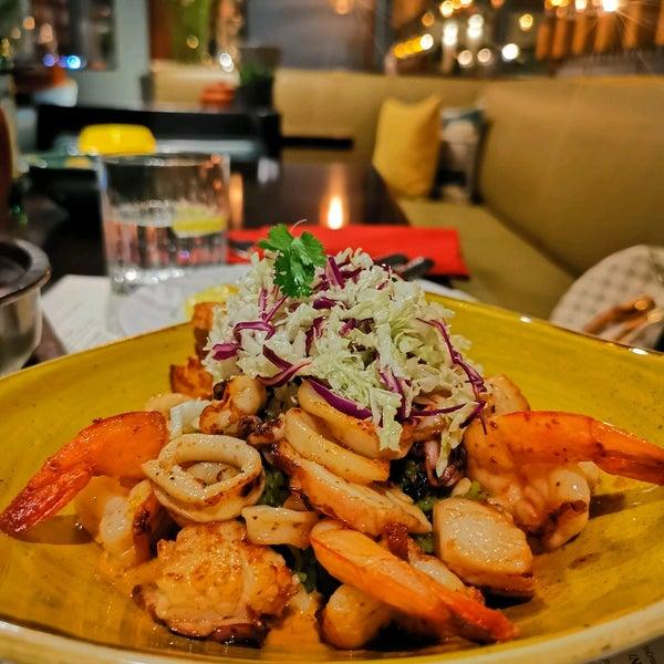 รูปภาพถ่ายที่ Maya Modern Mexican Kitchen + Lounge โดย Sulaiman A. เมื่อ 3/6/2021