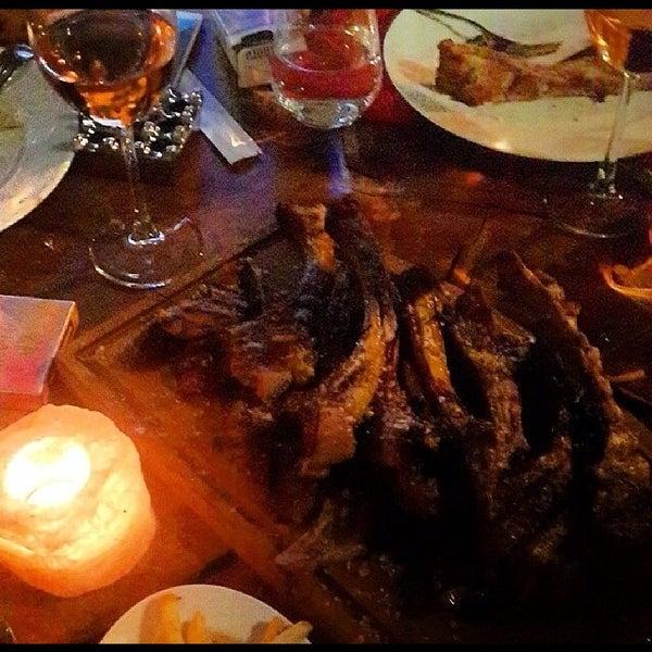 Servis, etler ve lezzeti gercekten cok kaliteli.kesinlikle gelinmeli ve tatlarına bakılmalı :)))