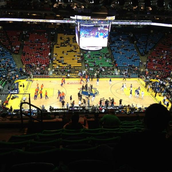 รูปภาพถ่ายที่ Oakland Arena โดย Tobias K. เมื่อ 3/12/2013