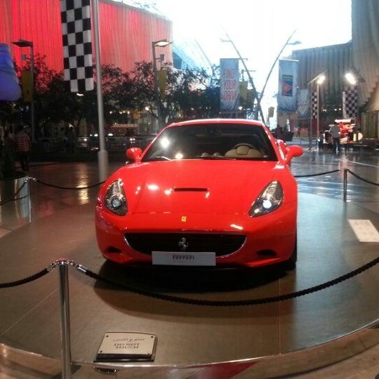 Foto scattata a Ferrari World Abu Dhabi da Hem P. il 1/25/2013